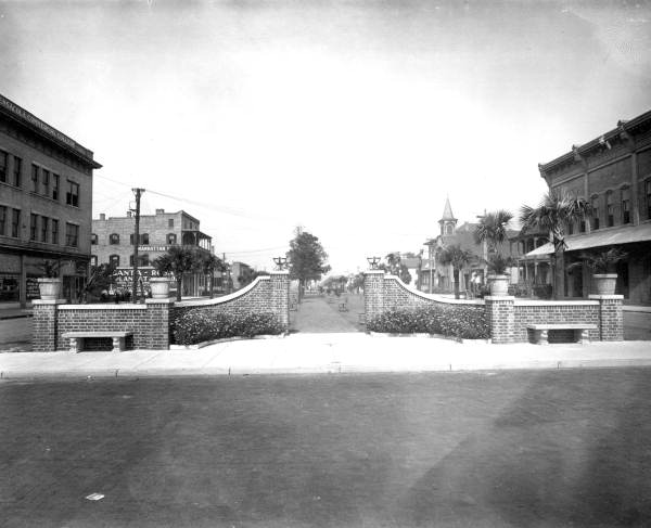 File:GardenStreetWest1908.jpg
